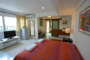 room-001